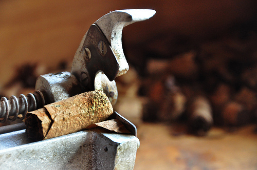 how to prepare a cigar without a cutter